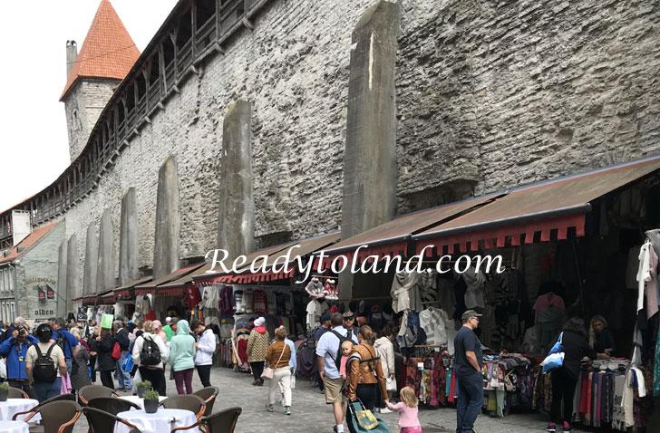 へレマン塔と城壁(セーターの壁), Tallinn